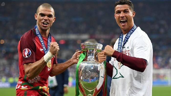 Portugal wint de EK finale van gastland Frankrijk