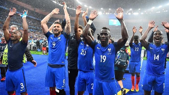 Wereld Kampioen Duitsland speelt tegen gastland Frankrijk in de halve finale